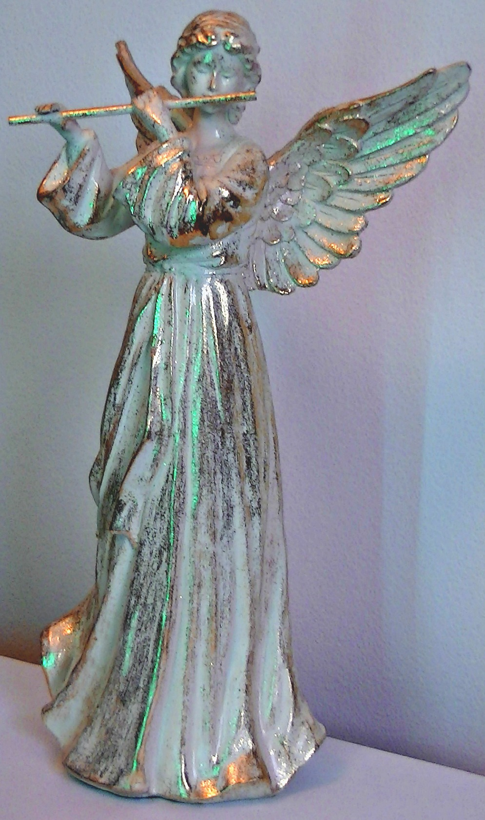 Angel with gold mottling