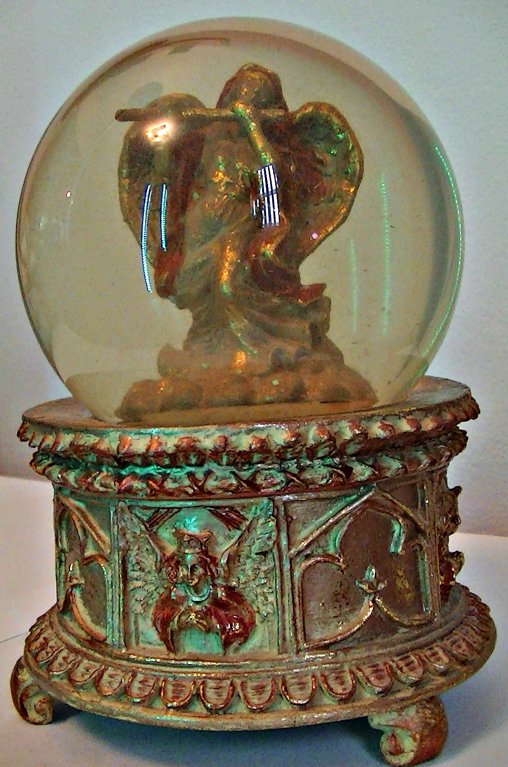Golden Angel Snowglobe
